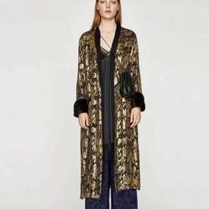 Zara L BLOGGERS FAV Gold Cuff Kimono Robe Jacket